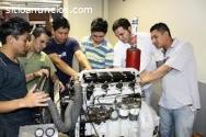 Buscamos mecanicos de automoviles o moto