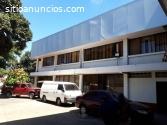 Bodega con oficinas en renta en Zona 9