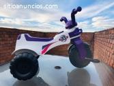 Lote de Triciclos montables forma moto F