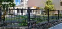 Alquilo esquina Calle Uruguay 855m2 con